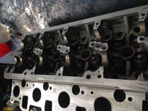 12.Установка клапанов после притирки и замены маслосъемных колпачков