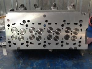 13.Клапаны притерты и установлены