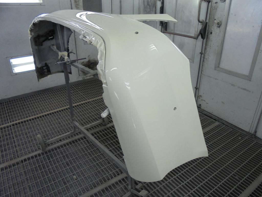 После покраски и сушки бампера, его собирают и устанавливают на автомобиль (при необходимости полируется). Авто готово к отдачи клиенту.