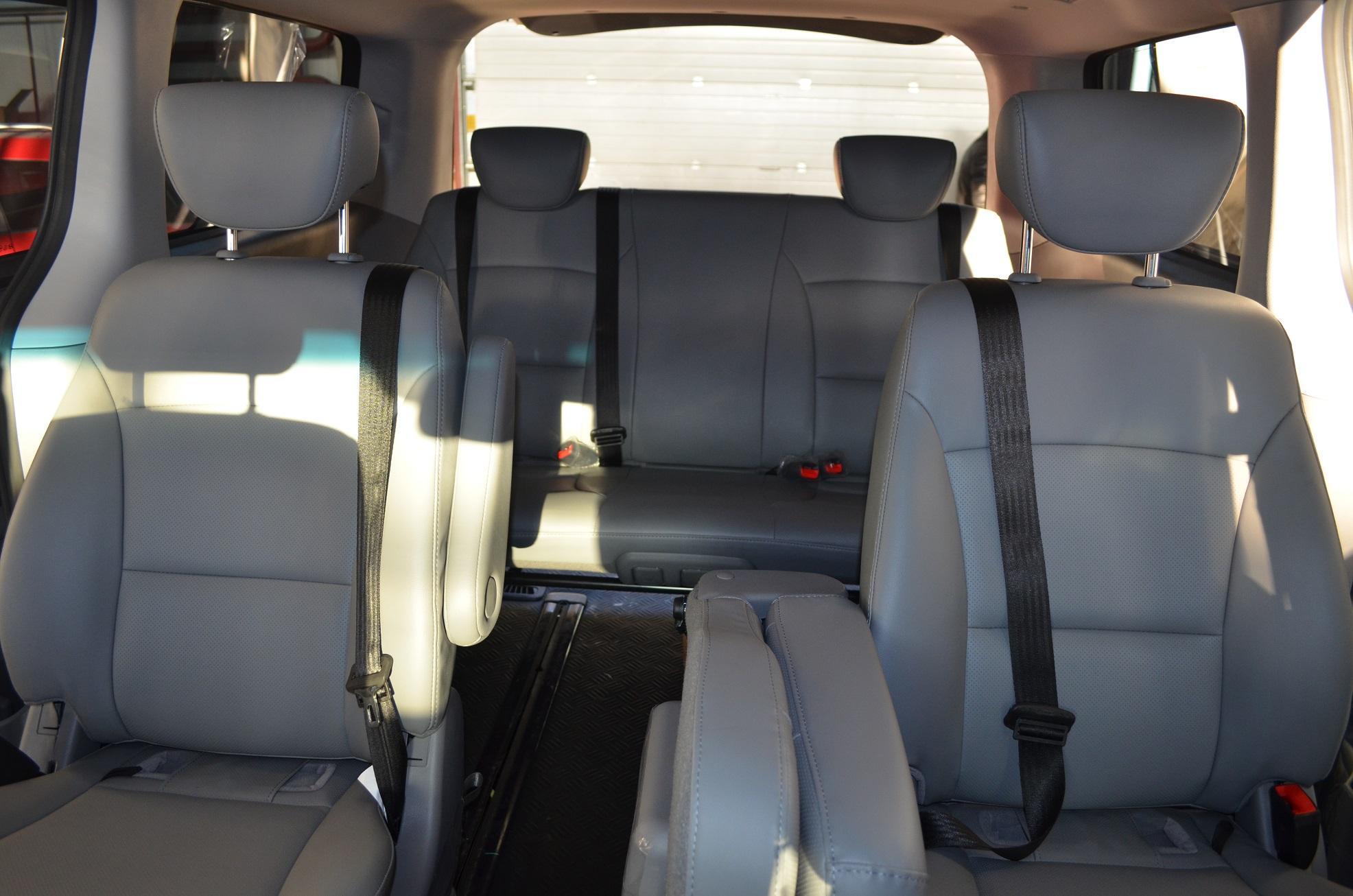 Установка трехточечных ремней безопасности в микроавтобус