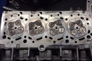Ремонт двигателя Форд в Москве